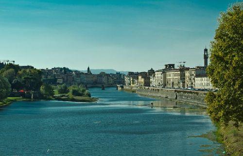 Мартовская Флоренция в лучах утреннего солнца