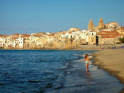 В мае на Сицилии туристы локализируются на пляжах острова