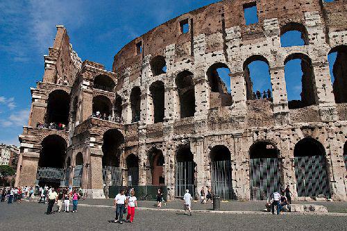Сolosseus  - архитектурная памятка Древнего Рима