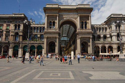 В Милане в мае стоит ясная и тёплая погода