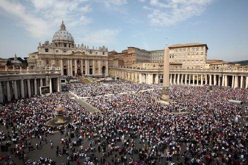 Паломники на Пасху в Ватикане