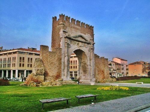 Отправляясь в Римини в марте, прихватите с собой как много больше тёплых вещей