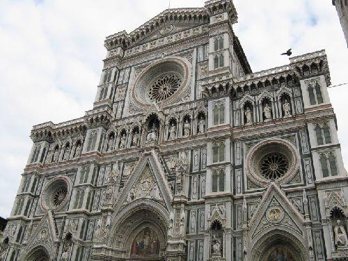 Величественное здание «Санта Мария дель Фьори»