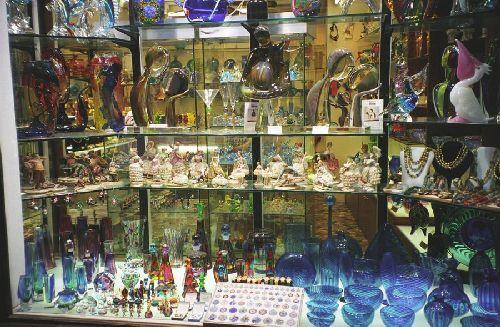 Очень популярно среди туристов в качестве сувенира мураское стекло, хоть и происходит оно из Венеции (Фото с ruhelp.com)