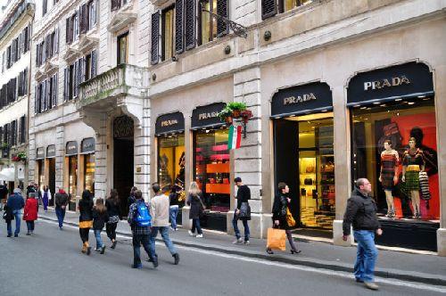 Так какие сувениры лучше купить в Риме? (Фото с awd.ru)